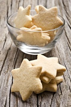 3 Ingredient Shortbread Cookies Recipe - Old World Garden Farms Cookie Recipes, Snack Recipes, Dessert Recipes, Mexican Cookies, Chocolate Filling, Shortbread Cookies, Shortbread Recipes, Sugar Cookies, Almond Recipes