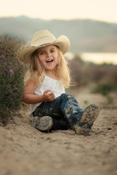 How precious little girls, little cowgirl, country girls, children, cowboy hats, spanish quot, little country girl, country look, photography kids