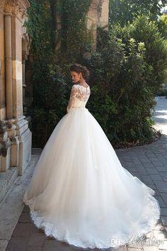 Vestidos de novia de manga larga de manga larga de encaje de 3/4 de Milla Nova 2016 Vestidos de novia de Tulle blanco escote completo con botones cubiertos