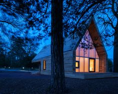 Gallery of Wolfson Tree Management Centre Mess Building / Invisible Studio - 24
