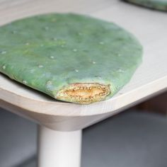 How to Propagate Prickly Pear Cactus Pads // Propagating Cactus Succulent Gardening, Succulent Terrarium, Planting Succulents, Indoor Gardening, Succulents Garden, Cactus Farm, Cactus Plants, Indoor Cactus, Garden Plant Stand