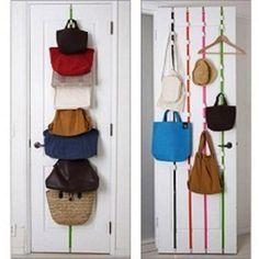 Ayarlanabilir Kapı Arkası Askı (8 Askı) Çanta, elbise, şapka ve giyisilerinin dağınıklığını ortadan kaldırarak kolayca organize ederek optimum yer kazanmalarını…