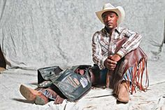 """Thanks to Hollywood, the word """"cowboy"""" conjures up images of tough, independent men: solitary, weather-beaten and. But many of the Old West cowboys were African-American. Black Cowgirl, Black Cowboys, Cowboy Up, Cowboy And Cowgirl, Real Cowboys, Cowboy Boots, The Lone Ranger, Cowboys And Indians, Black History Facts"""