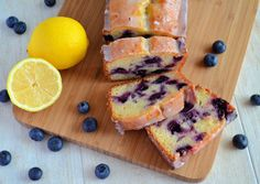 Citroen-Bosbessen Yoghurt Cake - Laura's Bakery