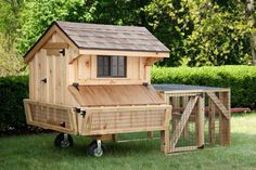 Amish Made Quaker Tractor Chicken Coop with Run This small by Amish chicken coop is designed to support up to 8 chickens. Featuring a run (cage) for those times when your chickens can't be allowed to roam free, this backyard chicken coop Chicken Coop Run, Diy Chicken Coop Plans, Chicken Cages, Backyard Chicken Coops, Building A Chicken Coop, Chicken Runs, Chickens Backyard, Chicken Houses, Farm Chicken