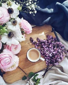 Black and White, Style, Lifestyle, Scent, Flowers Coffee Break, Morning Coffee, Coffee Time, Tea Time, Happy Coffee, Momento Cafe, Coffee Flower, New Things To Learn, Bookstagram