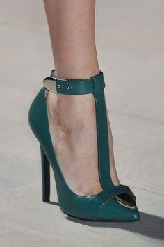 Marios Schwab at London Fashion Week Fall 2012 - Details Runway Photos