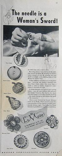 Summer 1943 McCall Needlework Kntting Crocheting magazine ad for La Mode buttons.