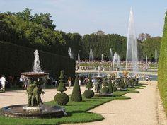 Versailles,,,BEAUTIFUL   GARDEN   A  VOIR  EN  PARIS-FRANCE,,,,,**+