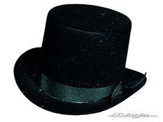 Edler Zylinder mit Hutband schwarz, aus unserer Kategorie Karnevalshüte.  Aus diesem Hut kann man bestimmt so Einiges hervorzaubern! Ob ein weißes Kaninchen, ein buntes Endlostuch oder ein sogar ein Blumenstrauß für die Angebetete - mit diesem Zylinder kann eigentlich nichts mehr schief gehen!
