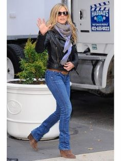Jennifer Aniston Style: Her Best Fashion Looks Made Easy