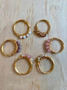 Diy Wire Jewelry Rings, Wire Jewelry Designs, Handmade Wire Jewelry, Diy Crafts Jewelry, Hand Jewelry, Beaded Rings, Cute Jewelry, Handmade Bracelets, Crystal Jewelry