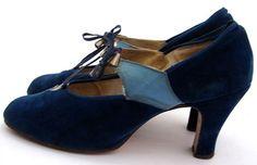 Wonderful two-tone blue velvet 1930s shoes. #vintage #1930s #shoes
