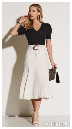 Cora-canela-lookbook12-foto51 – Cora Canela Modern Outfits, Classy Outfits, Chic Outfits, Fashion Outfits, Meghan Markle Dress, Mein Style, Western Dresses, Skirt Outfits, Modest Fashion