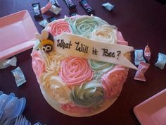 Gender Reveal Cake - What Will it Bee?