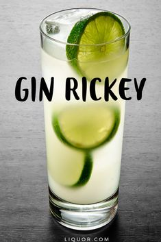 The Gin Rickey is a classic cocktail that is super simple and easy to make. Just add gin and club soda to make this delicious and refreshing spring and summer cocktail. Gin Cocktail Recipes, Coctails Recipes, Cocktail Drinks, Alcoholic Drinks, Gin Drink Recipes, Beverages, Refreshing Cocktails, Easy Cocktails, Classic Cocktails