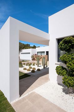 Modern Buildings, Modern Architecture, Fran Silvestre, Palace Interior, Wine House, Clay Houses, Desert Homes, Spanish House, Backyard Landscaping