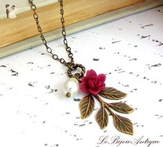 Leaf necklace in antique bronze with burgundy Flower and white glass teardrop pearl - Wedding nacklaces (*Amazon Partner-Link)