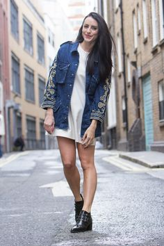 Clutch and carry on - sabrina chakici - london fashion week street style - DK Photos