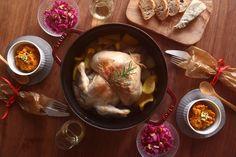 ワイン片手に夫婦ふたりで作る丸鶏主役のワイルドクリスマス料理