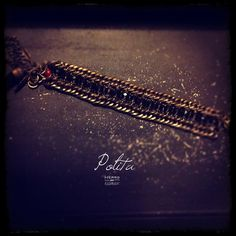 Pulsera en cristal y piezas de metal/ Polita