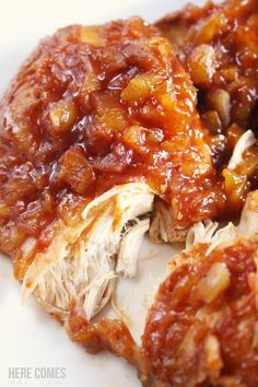 Ingredient Crock Pot Hawaiian Chicken Make this delicious Crock Pot Hawaiian Chicken with only 3 ingredients!Make this delicious Crock Pot Hawaiian Chicken with only 3 ingredients! Slow Cooker Huhn, Crock Pot Slow Cooker, Crock Pot Cooking, Slow Cooker Recipes, Crockpot Recipes, Cooking Recipes, Healthy Recipes, Quick Recipes, Crock Pot Healthy