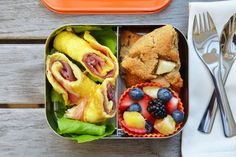 egg and prosciutto rollups in the LunchBots Duo #paleo #schoollunches