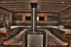 Sauna, love this sauna. So rustic and cozy Finland Diy Sauna, Sauna House, Sauna Room, Steam Bath, Steam Room, Rustic Saunas, Spas, Piscina Spa, Cottage