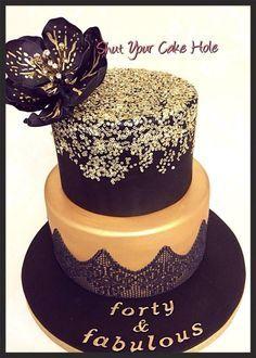 White black gold birthday cake classe elegant with gold sprinkles