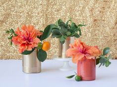 DIY Upcycled Tin Cans: Turn them into Spring Vases - Momtastic Gold Backdrop, Flower Backdrop, Tin Can Crafts, Diy Crafts, Diy Home Decor Projects, Craft Projects, Spray Paint Flowers, Recycled Tin Cans, Repurposed