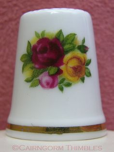 Old Country Roses China Thimble By Royal Albert TCC Red & Yellow Rose Flowers