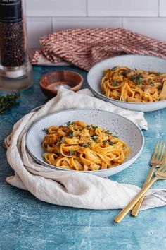 This creamy tagliatelle is the perfect autumn dinner recipe! With a rich butternut squash sauce and sausage pieces stirred through it's such a simple and delicious dish. #thecookreport #tagliatelle #pastarecipe Veggie Sausage, Sausage Pasta, Fall Dinner Recipes, Fall Recipes, Base Foods, Butternut Squash, Tasty Dishes, Slow Cooker Recipes, Pasta Recipes