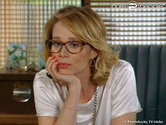 575db73609ffc A armação do óculos de grau de Juliana (Mariana Ximenes) também entrou na  lista