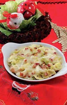 La zuppa valpellinese o valpellinentze, ricetta di Natale della valle d'Aosta, è un piatto tradizionale a base di prodotti tipici della regione, come la fontina. http://www.alice.tv/ricette-valdostane/zuppa-valpellinese