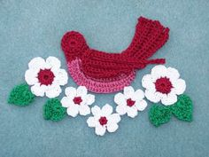 crochet applique cranberry bird with flowers and leaves  --  1666 by CraneCrochet for $5.50