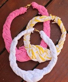 I made a fabric necklace with one half having a pink streak, and the other half with four wooden beads. It came out alright, but I& thin so the piece looks chunky on me. Fabric Necklace, Fabric Jewelry, Diy Necklace, Nautical Necklace, Cute Diy Projects, Sewing Projects, Nautical T Shirts, Nautical Style, Pink Streaks