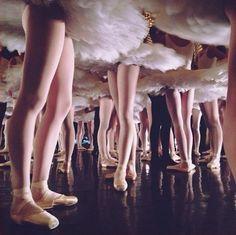 dancekrazed: b-cycle: Coulisses du Défilé du Ballet de l'Opéra de Paris ❤