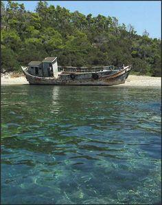Σκύρος | PameVolta.com Σκύρος ένα νησί στην καρδιά του αιγαίου - Skyros an island in the heart of the Aegean Greece, Boat, Christian Louboutin Shoes, Pumps, Boats, Grease