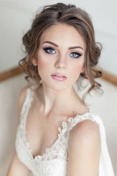 23 Fresh Spring Wedding Makeup Looks   HappyWedd.com