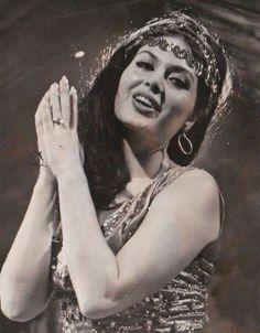 Türkan Şoray Celebrity Stars, Screenwriting, Ikon, Evergreen, Vintage Photos, Lady, Actors & Actresses, Mona Lisa, Hair Beauty