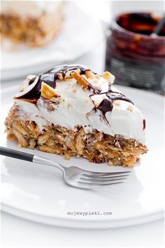 Chocolate Cake & Peanut Butter Buttercream loaded with chopped crispy, crunchy butterfingers candy bars! This cake is out of this world! Chocolate Ganache Tart, Chocolate Cake, Cracker, Polish Recipes, Polish Food, Lemon Desserts, Pavlova, Let Them Eat Cake, Chocolate Recipes