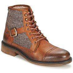 Podemos decir que la #bota para hombre Finiel de la marca Casual Attitude destaca por su estilo. Sin duda encontrará un sitio privilegiado en tu dressing.#rebajas #zapatoshombre