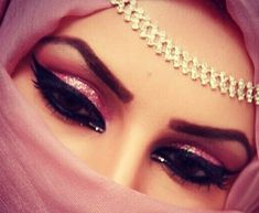 pink arabic makeup