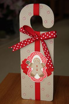 Craft Obsession: Cupcake's Creations - CR84FN5 - Christmas door hanger with Waltzingmouse Stamps