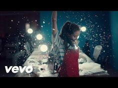 Tiesto & Oliver Heldens - The Right Song (ft. Natalie La Rose) - Il Video Musicale -