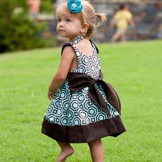 Sewing Pattern PDF - Baby Jumper Dress and Top Pattern with Big Sash Bow So cute, love the pattern and solid combo