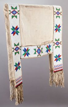 SIOUX  HIDE SADDLE BLANKET. c. 1900... Native American Regalia, Native American Photos, Native American Artifacts, Native American Beadwork, American Indian Art, Dog Blankets, Indian Blankets, Horse Gear, Horse Tack