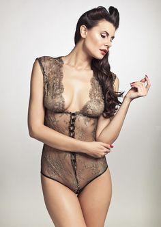 http://www.pleasurements.com/media/catalog/product/cache/1/image/9df78eab33525d08d6e5fb8d27136e95/p/l/pleasurements-sonata-lace-body-champag...