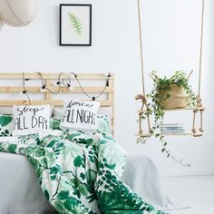 7 luftreinigende Pflanzen fürs Schlafzimmer Whether you're looking for houseplants that survive in your rather dark bedroom or whether you're looking for plants that actually … New Kitchen Doors, Bedroom Plants, Teen Bedroom, New Room, Dorm Room, Home And Living, Room Inspiration, Bed Pillows, Toddler Bed