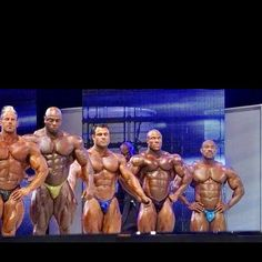 #tht 2009 Mr.O I'm standing among the latest 3 Mr.Olympia's. Awesome moments!! #biggerthanlife @atpscience,@probioticaoficial